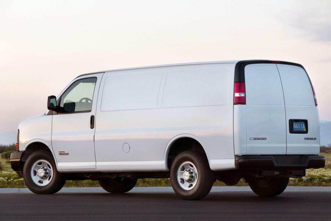 2014_Chevrolet_Express_Cargo_2500_3dr_Van_66L_8cyl_Turbodiesel_6A_3721982